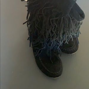 Black Mock boots with matching bag